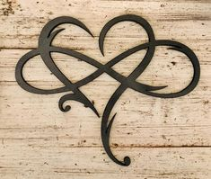 Infinity Heart Wood Sign/Infinity Symbol/Wall Art Love Infinity Sign with Heart Intertwined/Infinity Family Sign Infinity/Engagement/Wedding Ewigkeits Tattoo, Symbol Tattoos, Body Art Tattoos, Sleeve Tattoos, Cool Tattoos, Tattoo Crown, Heart Tattoos, Skull Tattoos, Courage Tattoos