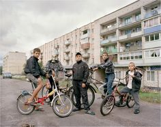 22 photographs that capture youth culture in post-soviet Russia - Gallery 1 - Image 8