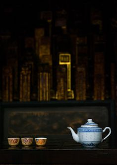 Tea offerings in a chinese temple, Penang island, George town, Malaysia © Eric Lafforgue Penang Island, George Town, Eric Lafforgue, Tea Culture, Drinking Tea, Tea Pots, Temple, Chinese, Food