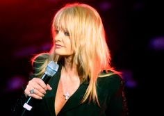 #bonnietyler #kareenantonn #show #music #rock #2005