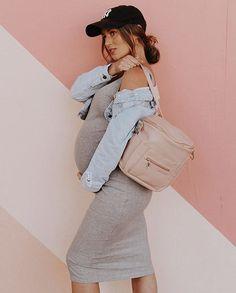 Winter Maternity Outfits, Stylish Maternity, Pregnancy Outfits, Mom Outfits, Maternity Wear, Maternity Fashion, Pregnancy Style, Pregnancy Fashion, Maternity Style