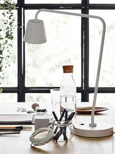 Desk detox: 7 ways to boost style and productivity in your home Interior Design Advice, Interior Stylist, Ikea Office, Office Decor, Desk Inspiration, Interior Inspiration, Up Styles, House Styles, Home Desk