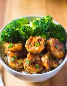 his Honey Garlic Shrimp recipe is ready in just 15 minutes. It's a delicious and quick dinner that is a winner on busy weeknights. Serve it with some broccoli and steamed rice, and you're all set for a great meal!If you love seafood, then you must try my super popular P.F. Chang's copycat Dynamite Shrimp recipe and this Lemon Garlic Butter Salmon! Shrimp Recipes For Dinner, Shrimp Recipes Easy, Honey Recipes, Fish Recipes, Seafood Recipes, Healthy Dinner Recipes, Cooking Recipes, Healthy Foods, Beef Recipes
