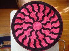 Картинка Crochet Clutch, Crochet Handbags, Crochet Purses, Crochet Doilies, Designer Knitting Patterns, Tapestry Crochet Patterns, Knitting Designs, Mochila Crochet, Tapestry Bag