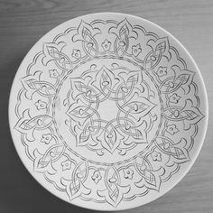 Dot Art Painting, Mandala Painting, Mandala Drawing, Ceramic Painting, Mandala Art, Stone Painting, Ceramic Art, Pottery Painting Designs, Pottery Designs