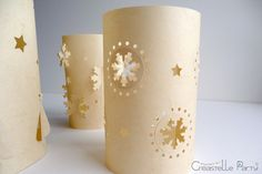 DIY photophores de Noël / christmas luminaries Noel Christmas, Pillar Candles, Candle Holders, Diy, Lantern Candle Holders, Papercutting, Recycling, Stuff Stuff, Build Your Own