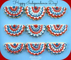 Fourth of July Bunting Cookies by Melissa Joy Cookies Summer Cookies, Fancy Cookies, Cut Out Cookies, Iced Cookies, Cute Cookies, Royal Icing Cookies, Holiday Cookies, Cupcake Cookies, Cupcakes