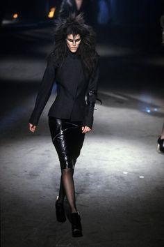 Alexander McQueen Fall 1997 Ready-to-Wear Fashion Show - Stella Tennant