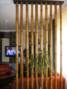 Birkenstämme als Raumteiler – New Ideas – Apocalypse Now And Then Bamboo Furniture, Home Decor Furniture, Diy Home Decor, Bamboo Room Divider, Diy Room Divider, Living Room Divider, Living Room Partition Design, Room Partition Designs, Bamboo House Design
