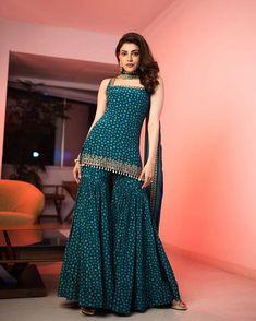 Party Wear Indian Dresses, Designer Party Wear Dresses, Indian Gowns Dresses, Indian Bridal Outfits, Dress Indian Style, Indian Fashion Dresses, Indian Designer Outfits, Indian Ladies Dress, Indian Designers