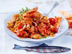 Unser beliebtes Rezept für Tagliatelle al Salmone mit sizilianischem Sugo und mehr als 55.000 weitere kostenlose Rezepte auf LECKER.de.