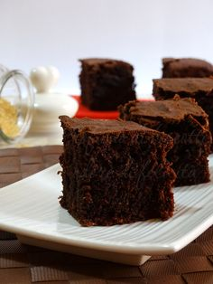 dark chocolate cake with brown sugar and whole wheat flour. Sweets Recipes, Just Desserts, Cake Recipes, Dark Chocolate Cakes, Chocolate Desserts, Cupcakes, Cake Cookies, Healthy Cake, Sweet Cakes