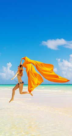 Wonderful Cellulite Tips and Products to Help You Feel Great on the Beach This Summer!   www.cellulitewhisperer.com