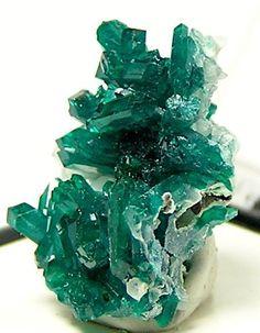 Emerald Crystal | Vintage Jewelry