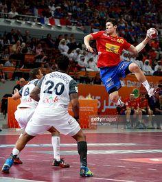 Spain's Alex Dujshebaev (40) in action during the Qatar 2015 24th Men's Handball World (910×1024)