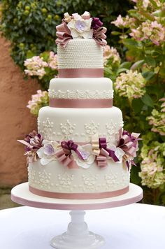 Love the color harmony in this cake