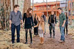 Bella Cullen, Edward Cullen, Twilight Renesmee, Twilight Saga, Romance, Breaking Dawn, New Moon, Kristen Stewart, Vampire Diaries