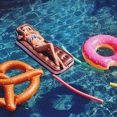 Ice Cream Sandwich Pool Float - Urban Outfitters
