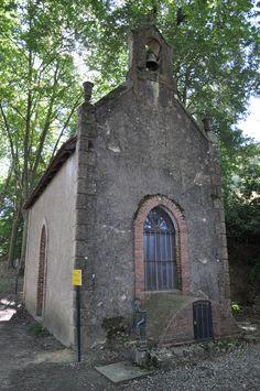 La chapelle de Saint-Fris et la source miraculeuse.