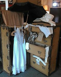Charming Vintage Steamer Trunk....perfect For Lingerie, Jewelry, Scarves.