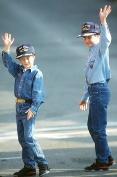 Prince William and his younger brother, Prince Harry, had the cutest childhood photos — especially when they posed with their late mother, Princess Diana. Though Diana tragically passed … Prince William Et Kate, Prince Harry Et Meghan, Prince Harry Of Wales, Prince William And Harry, Charles And Diana, Prince Charles, Prince Henry, William Kate, Lady Diana
