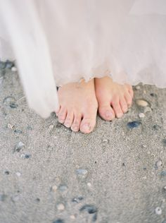 Romantic Seaside Wedding Ideas via oncewed.com #wedding #bride #seaside #romantic #sand #silk