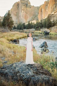 Claire La Faye gown featured on Magnolia Rouge. Photo- Donny Zavala Striking fall bridals at Smith Rock, Oregon via Magnolia Rouge