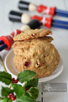 wo Very Good and Basic Chocolate Chip Cookies Recipes: Crispy and Chewy from Donna Hay / Crispy from Better Home and Gardens, Fast Ed