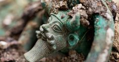 Archéologie : découverte exceptionnelle en France d'une tombe princière celte