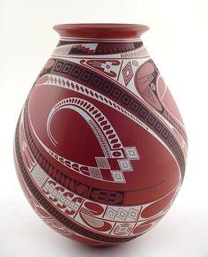 Ceramic Pottery, Pottery Art, Pueblo Pottery, Native American Pottery, Native Design, Pottery Designs, Indian Art, Love Art, Whiskey Bottle