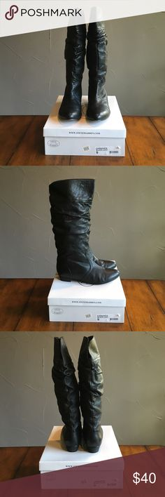 """Steve Madden Cadence black leather boots size 9 Steve Madden Cadence black leather scrunch boots size 9, great condition with minimal signs of wear. Purchased at Nordstrom for $99.95. So cute with skinny jeans or a dress. Pet free smoke free home. Small 1"""" heel. Very very comfortable boots! Steve Madden Shoes Heeled Boots"""