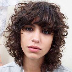 Locken 2016 - http://frisuren2016.ru/frisurenkollektionen/6362-locken-2016.html #Frisurenkollektionen #trends #frisuren #haartrends #frisur #haarstyle