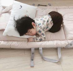 Go Woo Bin @p.aiou Cute Mixed Babies, Cute Asian Babies, Korean Babies, Asian Kids, Cute Babies, I Want A Baby, Cute Baby Boy, Baby Kids, Cute Outfits For Kids