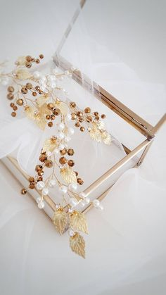 Ivory Gold Bridal hair piece, Gold Bridal headpiece, Gold Tiara, Gold Wedding Tiara, Gold Bridal Wreath, Gold Bridal Vine