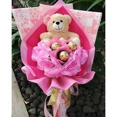 Ready stock Valentine bouquet with Ferrero Rocher (boneka coklat bunga) Prize 150.0000 sudah termasuk Ongkos Kirim Hadirkan kehangatan valentine day dengan buket spesial dari Bless Shop. Pemesanan 4 hari (tidak bisa mendadak) jadi buat kalian yg belum mendapatkan hadiah spesial buat valentine silakan dhe di order stock hanya 79 buket.. Grab it fast.. limited edition.. Fast respon : Line : @WZZ8961A (use @) Pin BB : 7C9A3715 WA 08561709188 #valentineday#bonekavalentine#bungavalenti...