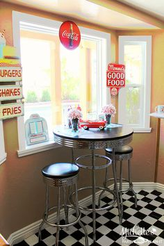 Retro Dad's Diner Father's Day Party Planning Ideas Decorations - 50s Kitchen, Kitchen Layout, Vintage Kitchen, Kitchen Decor, Kitchen Table Makeover, 1950 Diner, Retro Diner, Pink Lady, Diner Party
