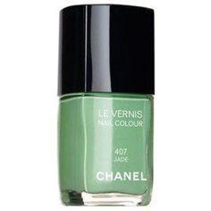 A loucura em torno do esmalte Jade da Chanel é tanta que mereceu até duas páginas na Veja da semana. Sinceramente? Passo.