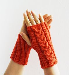 Orange knitted gloves mittens Halloween by HelenKurtidu on Etsy, Knitted Slippers, Knitted Gloves, Fingerless Gloves, Knitting Yarn, Hand Knitting, Gascon, Beautiful Hands, Arm Warmers, My Best Friend