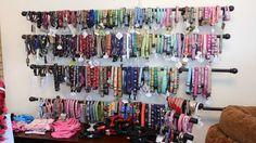 56 Ideas For Pet Store Display Love Vendor Displays, Craft Booth Displays, Craft Booths, Retail Displays, Shop Displays, Dog Grooming Salons, Dog Grooming Business, Grooming Shop, Pet Grooming