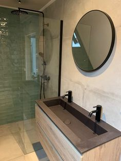 Industrial bathroom bathroom inspiration The new bathroom To add some color we h. Bad Inspiration, Bathroom Inspiration, Cheap Bathrooms, Small Bathroom, Bathroom Interior Design, Interior Design Living Room, Tiny Bath, New Toilet, Industrial Bathroom