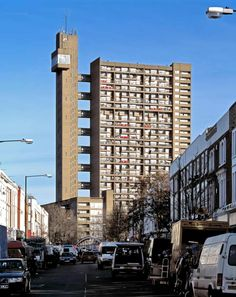 As the city skyline is threatened by a frenzy of ugly skyscrapers, Oliver Wainwright picks the capital's top 10 towers that show how building big can be beautiful Brutalist, The Guardian, Lighting Design, Skyscraper, Architecture Design, Multi Story Building, Skyline, London, Towers