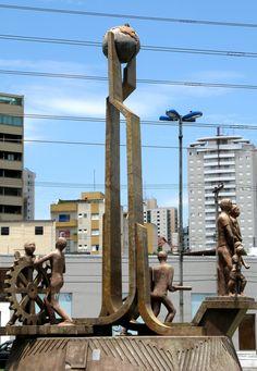 Monumento Desenvolvimento Econômico - São Caetano do Sul, SP, Brasil.