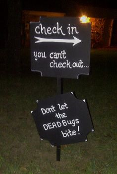 Halloween signs for dead and breakfast