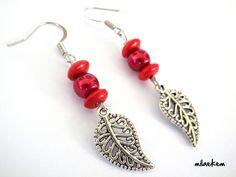 Boucles d'oreille Feuilles d'arbre argentées filigranées avec perles rouges : Boucles d'oreille par milaekem-bijoux
