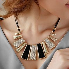 awesome Pendant Chain Choker Chunky Statement Bib Women Necklace Charm Fashion Jewelry - For Sale