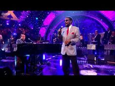 William Bell - Everyday Will Be Like A Holiday (Jools Annual Hootenanny 2015) - YouTube