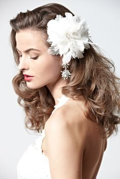 50 Hair Tutorials  How To's To Inspire You! The pin up look!
