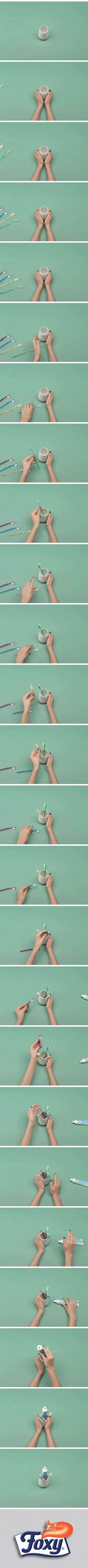 Che siano elettrici o meno, gli spazzolini da denti vengono usati quotidianamente. Sai che tenerli in ordine ti permette di risparmiare tempo ogni giorno? Scopri come su http://www.foxymega.it/organize/impara-come-organizzarlo.php?id=Spazzolini #foxy #organize #bagno #spazzolino #denti #lavandino #spazio #acqua #organization #ideas #home #space