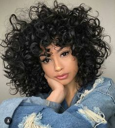 puppy face wins everytime🙈 haircut by: Nubia Suarez 🌼 Curly Hair Styles, Curly Hair Tips, Short Curly Hair, Wavy Hair, Natural Hair Styles, Coiffure Hair, Short Bob Wigs, Hair Pictures, Hairstyles Pictures