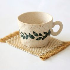 mug cup I Mugs and Mug Rugs Pottery Painting Designs, Pottery Designs, Pottery Mugs, Ceramic Pottery, Ceramic Mugs, Ceramic Art, Keramik Design, Paint Your Own Pottery, Kitchenware